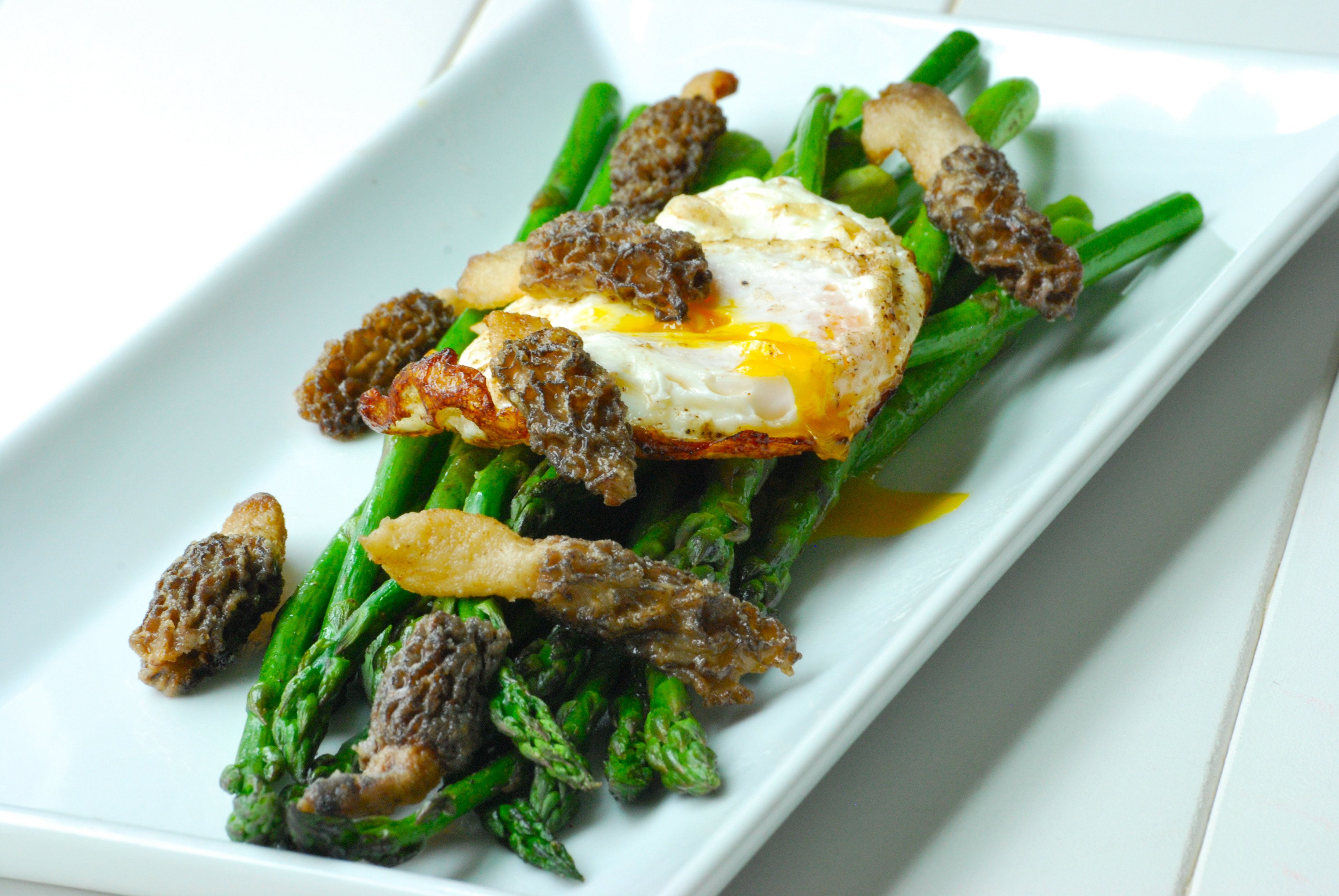 morel and asparagus eggs eggs benedict poached eggs with morels eggs ...