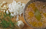 Simple White Beans with Rosemary and Garlic via RelishingIt