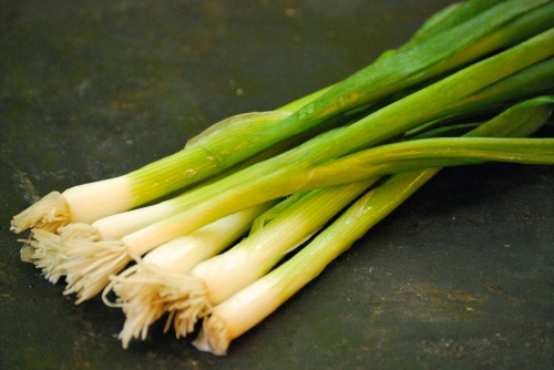 Green onions for Pad Thai via Relishing It