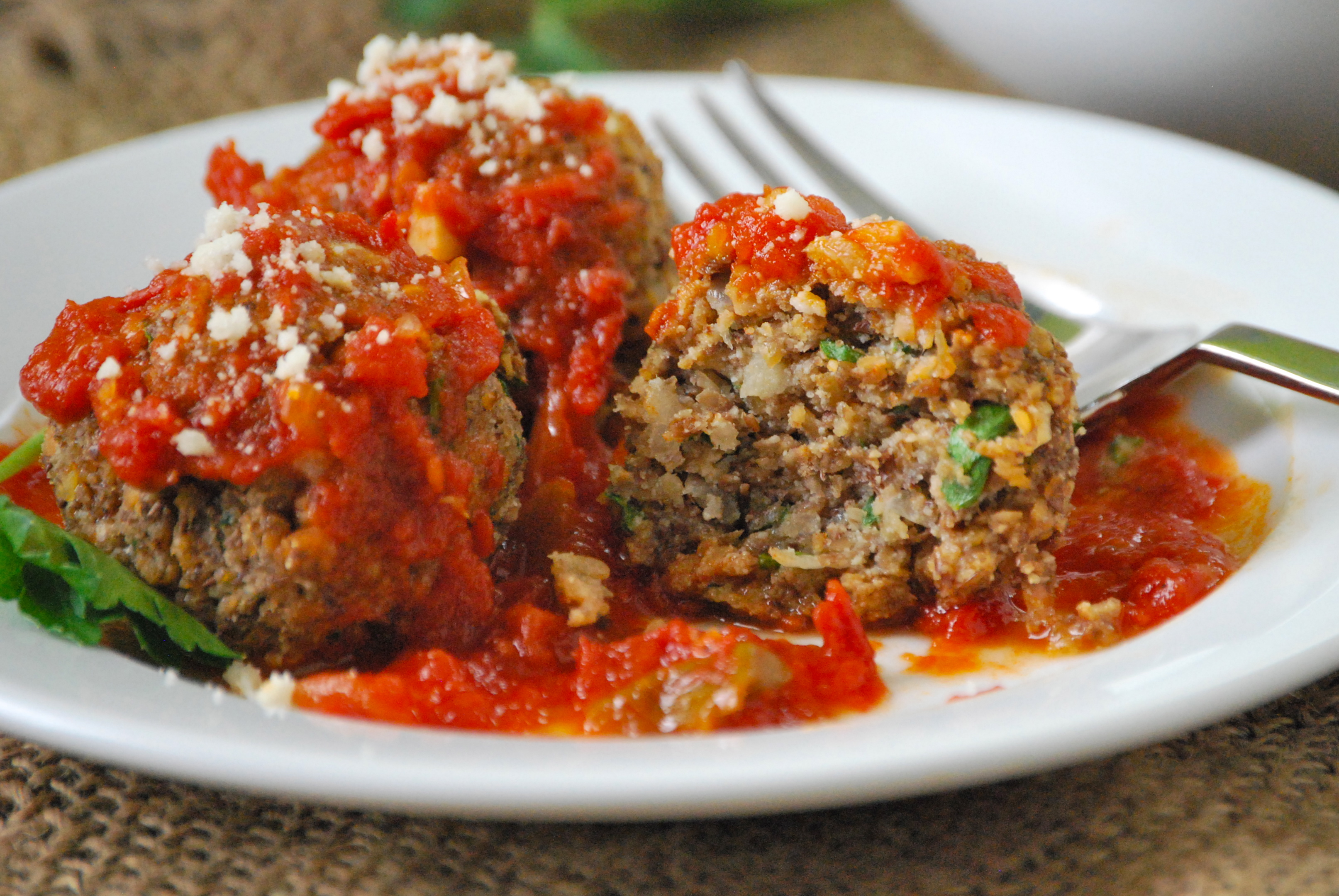 Meatballs made with ground beef, veal and pork, with garlic and Romano cheese. Finish cooking in your favorite marinara sauce I never knew how to make good meatballs /5(1K).