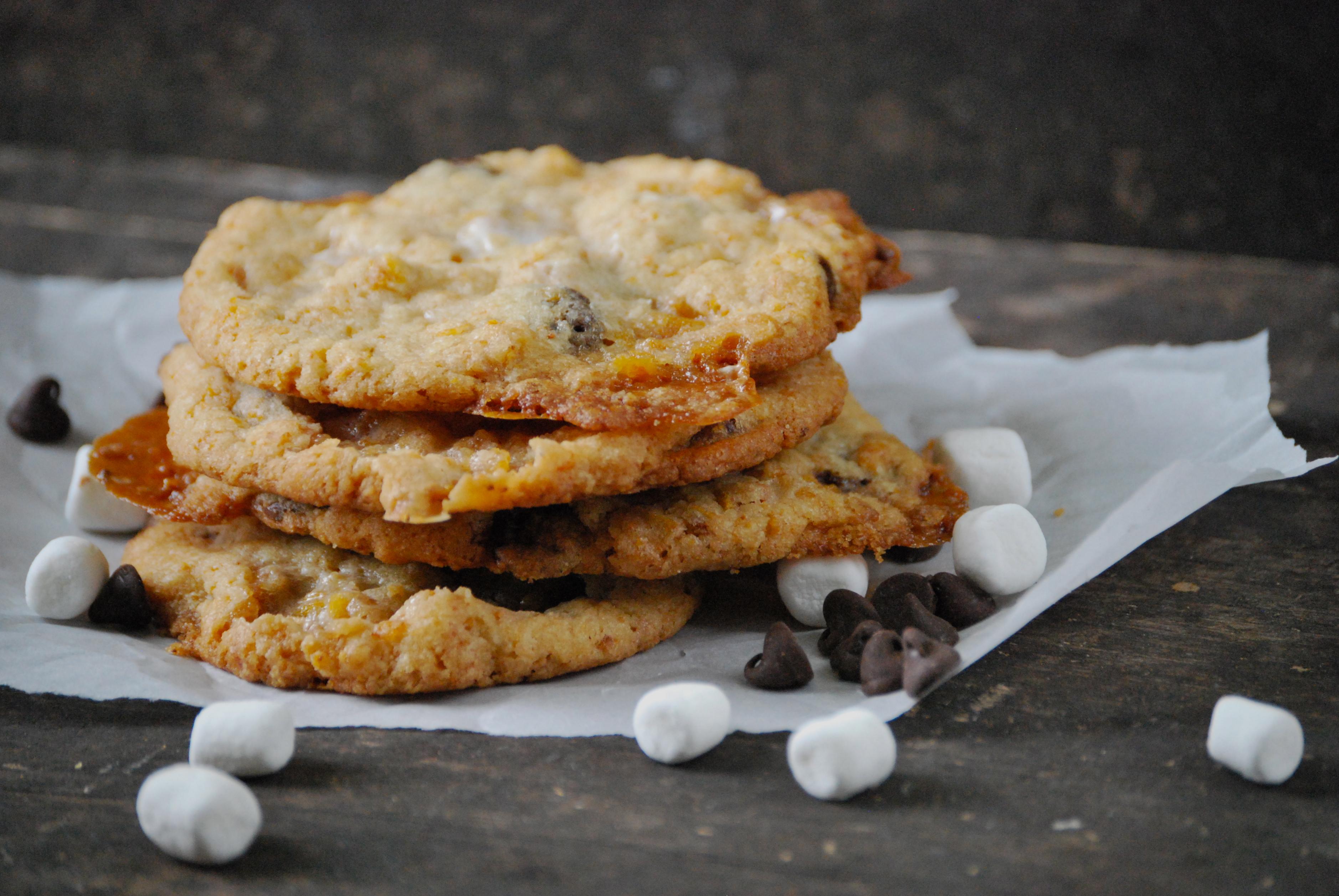 Momofuku's Cornflake Chocolate Chip Marshmallow Cookies via Relishing ...