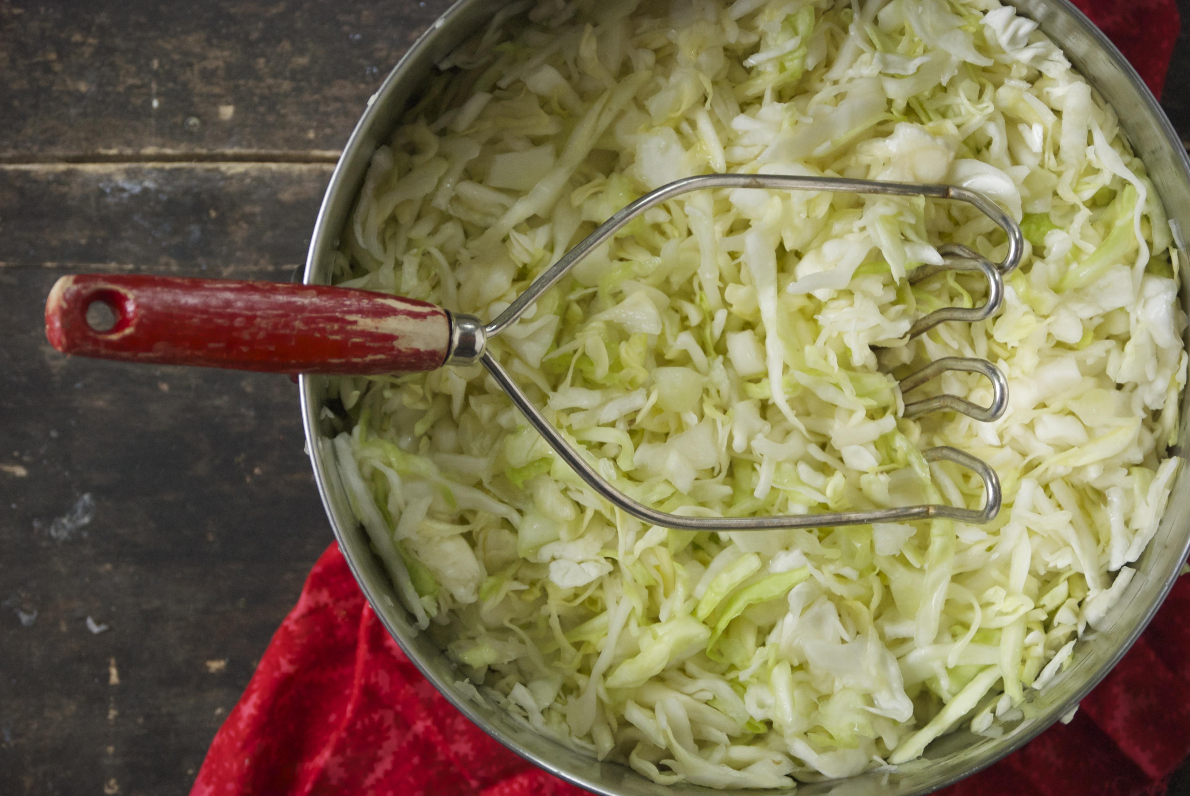 Как сделать квашеную капусту за час