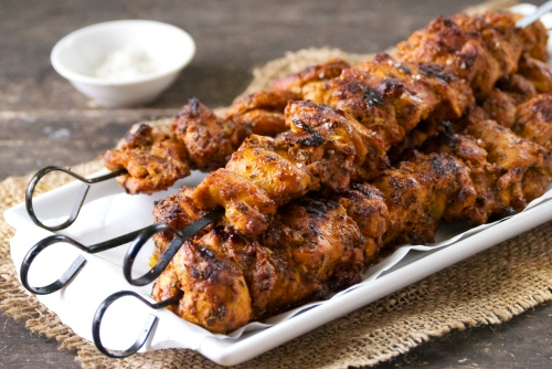 Pincho Moruno (Adobo Marinated Chicken Kabobs) | Relishing It